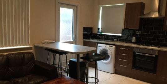 Double Room Available | 60 Edge Grove, Liverpool, L7 0HW