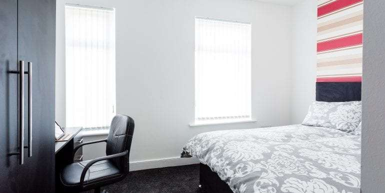 bedroom without bay window white&black spec 17